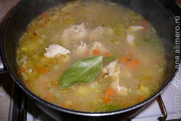 Куриный суп из перловки.