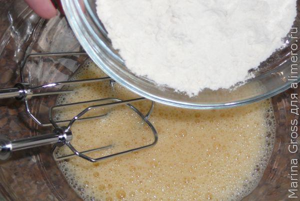 Пирог сос смородиной
